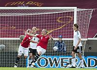 Fotball<br /> EM 2009 kvinner<br /> Semifinale<br /> Tyskland v Norge<br /> Foto: Jussi Eskola/Digitalsport<br /> NORWAY ONLY<br /> <br /> Norge jubler for 1-0<br /> R-L: Isabell Herlovsen  og Leni Larsen Kaurin