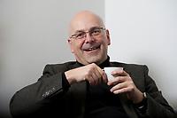 06 JAN 2012, BERLIN/GERMANY:<br /> Torsten Albig, SPD, Oberbuergermeister Kiel und Kandidat fuer das Amt des Ministerpraesidenten von Schleswig-Holstein, waehrend einem Interview, Hauptstadtbuero Handelsblatt<br /> IMAGE: 20120106-02-012