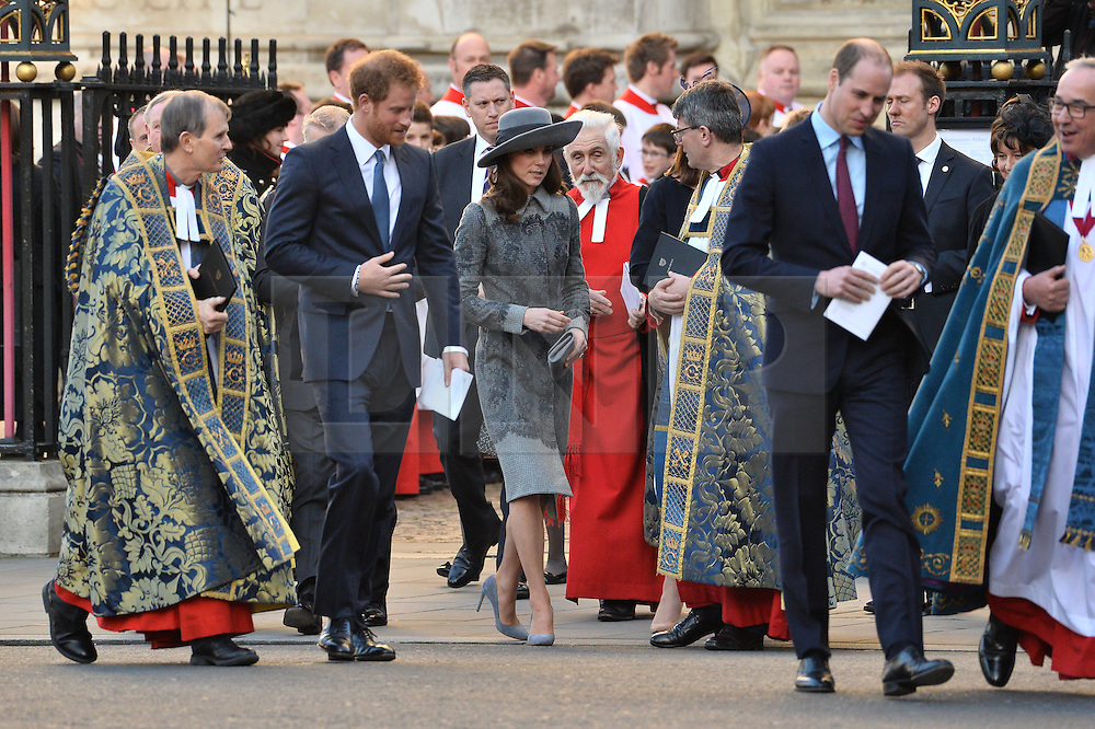 © Licensed to London News Pictures. 14/03/2016. The Queen, The Duke of Edinburgh, Kate, Duchess of Cambridge, William, Duke of Cambridge, Prince Harry, The Duke of York, Ellie Goulding, Kofi Annan attend the Commonwealth Day Observance Service At Westminister Abbey. The annual multi-faith service is a celebration of the Commonwealth London, UK.  Photo credit: Ray Tang/LNP
