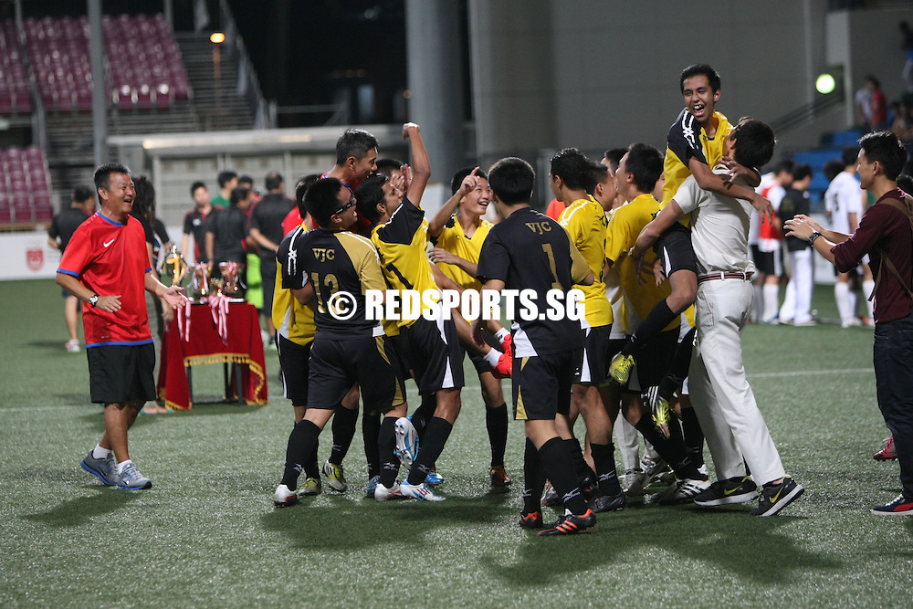 Jalan Besar Stadium, Thursday, May 23, 2013 — Victoria Junior College (VJC) beat Raffles Institution (RI) 3–2 to win the National A Division Boys' Football Championship for the first time since 2009. beaten three-time defending champions Meridian Junior College 2–1 in the semi-finals, and this A Division title is their fourth in the last 10 years. RI last won the title in 2007.<br /> <br /> Story: http://www.redsports.sg/2013/05/23/a-div-football-boys-vjc-ri/