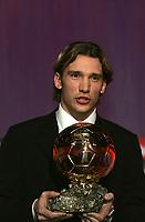 Fotball<br /> Andrej Sjevtsjenko/Andrei Schevschenko fra AC Milan vant Gullballen som årlig kåres av magasinet France Football<br /> 13. desember 2004<br /> Foto: Digitalsport<br /> NORWAY ONLY