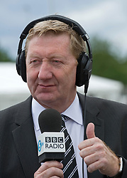 © licensed to London News Pictures. 12/05/2011. Bedfont, UK.  Unite general secretary Len McCluskey gives a thumbs up during a 5 Live radio interview at Bedfont Football club today (12/05/2011).  British Airways and the Unite union have reached an agreement to settle their long-running industrial dispute. A mass meeting of Unite members voted almost unanimously to put a new deal to a ballot of around 7,000 workers, with a recommendation to accept. See special instructions for usage rates. Photo credit should read Ben Cawthra/LNP