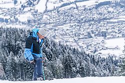 08.01.2021, Streif, Kitzbühel, AUT, FIS Weltcup Ski Alpin, Schneekontrolle durch die FIS, im Bild Hannes Trinkl (FIS Renndirektor) // Hannes Trinkl FIS Racedirector during snow control by the FIS for the FIS ski alpine world cup at the Streif in Kitzbühel, Austria on 2021/01/08. EXPA Pictures © 2020, PhotoCredit: EXPA/ Stefan Adelsberger