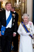 Staatsbezoek van Koning Willem Alexander en Koningin Máxima aan het Verenigd Koninkrijk<br /> <br /> Statevisit of King Willem Alexander and Queen Maxima to the United Kingdom<br /> <br /> Op de foto / On the photo: Willem Alexander en Koningin Elizabeth<br /> <br /> King Willem Alexander and Queen Elizabeth