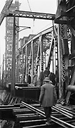 9111-306. Putting Lift Span in Place on Hawthorne Bridge. Nov. 27, 1910