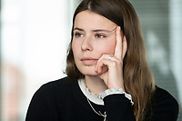 12 MAR 2020, BERLIN/GERMANY:<br /> Luisa Neubauer, Klimaschutzaktivistin, Fridays for Future, waehrend einem Interview, Redaktion Rheinische Post<br /> IMAGE: 20200312-01-055