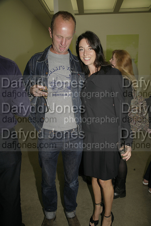 Johnnie Shand Kydd and Mary McCartney, Johnnie Shand Kydd:  book launch party celebrate the publication of Crash.White Cube. Hoxton sq. London. 18 September 2006. ONE TIME USE ONLY - DO NOT ARCHIVE  © Copyright Photograph by Dafydd Jones 66 Stockwell Park Rd. London SW9 0DA Tel 020 7733 0108 www.dafjones.com