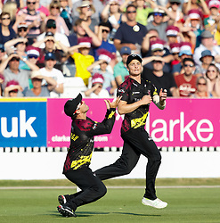 Somerset's James Hildreth doesn't make the catch<br /> <br /> Photographer Simon King/Replay Images<br /> <br /> Vitality Blast T20 - Round 1 - Somerset v Gloucestershire - Friday 6th July 2018 - Cooper Associates County Ground - Taunton<br /> <br /> World Copyright © Replay Images . All rights reserved. info@replayimages.co.uk - http://replayimages.co.uk