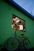 Abre Campo_MG, Brasil...Bicicleta em frente a uma loja em Abre Campo...A bike in front of a store in Abre Campo...Foto: BRUNO MAGALHAES / NITRO