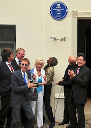 "© licensed to London News Pictures. London, UK  08/05/11Mike Reid , Robin Gibb and David ""kid"" Jenson attend as iconic 60s singer Dusty Springfield is honoured with a blue plaque at her former home. This is the second time a plaque has been placed here, the original went missing following building work in 2010. Please see special instructions for usage rates. Photo credit should read AlanRoxborough/LNP"