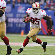Vernon Davis, San Francisco 49ers in action during the New York Giants V San Francisco 49ers, NFL American Football match at MetLife Stadium, East Rutherford, NJ, USA. 16th November 2014. Photo Tim Clayton