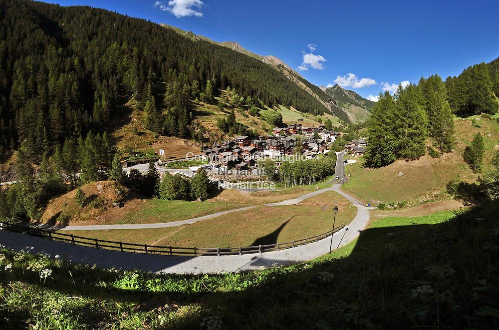 Suisse, Canton du Valais, Vallée de la Binntal ou Vallée de Binn, village de Binn // Switzerland, Valais canton, Binntal Valley, Binn village