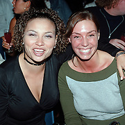 Barclay Catwalk 2001,  Anita Doth en Tara van den Berg Big Brother