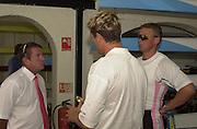 Henley, GREAT BRITAIN,  left to right, Jürgen Gröbler, James CRACKNELL and Matt PINSENT.  04.07.2001 Rowing Courses, Henley Reach, Henley, ENGLAND [Mandatory Credit, Peter Spurrier/Intersport-images] 20010604 Henley Royal Regatta, Henley, Great Britain.
