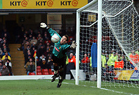 Lenny Pidgeley (Watford) makes another save. Watford v Chelsea, Vicarage Road, 03/01/2004, F.A. Cup, 3rd Round. Credit : Colorsport / Robin Hume. Digital File Only.
