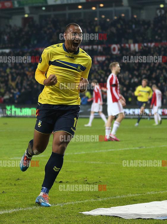 Kenneth Zohore (Brøndby) jubler efter sin scoring til 1-0.