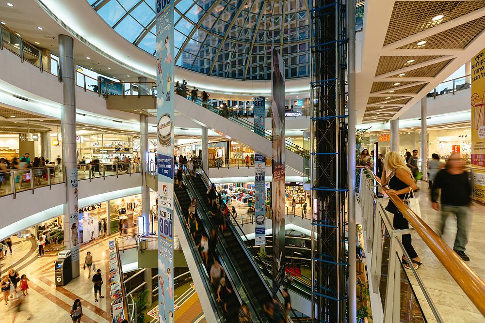 Azrieli Shopping Mall in Tel Aviv