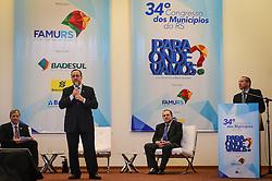 O candidato ao governado do Estado, Dep. Federal Vieira da Cunha durante o 34º Congresso de Municípios, no Plaza São Rafael, em Porto Alegre. FOTO: Vinícius Costa/Agência Preview
