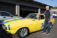 Garry Small bredvid hans senaste nyförvärv, racerutrustad Volvo P1800. Garry Small hjälpte amerikanarna att få upp ögonen för det svenska bilmärket genom att köra race med sportbilsmodellen Volvo P1800. Portland, Oregon, USA<br /> Foto: Christina Sjögren