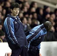 Fotball, 29. JANUAR 2003, Manchester City v Fulham (FA Barclaycard Premiership) <br />Jihai Sun og Shaun Goater<br />Foto:  Aidan Ellis, Digitalsport