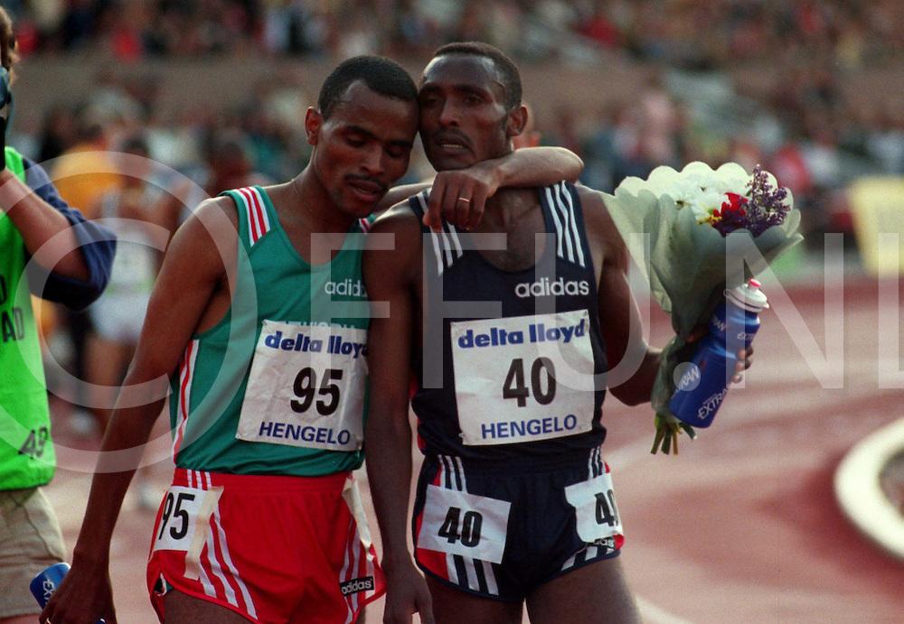Hengelo 31-05-97.Atletiek Adriaan Paulen Memorial ..10.000 meter heren. Assefa Mezgebu (40) uit Ethiopie wint de afstand 27.25.01. Habte jifar (95) ook uit Ethiopie werd derde 27.30.26..fotografie frank uijlenbroek©