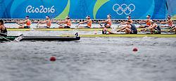 08-08-2016 BRA: Olympic Games day 3, Rio de Janeiro<br /> De Holland Acht heeft zich bij het olympisch roeitoernooi in Rio de Janeiro niet direct kunnen plaatsen voor de finale. Dirk Uittenbogaard,  Boaz Meylink, Kaj Hendriks, Boudewijn Roell, Olivier Spiegelaar, Tone Wieten, Mechiel Versluis, Robert Leuken en Peter Wierum in actie tijdens  mannenacht roeien competitie op Lagoa stadium tijdens Rio 2016 Olympic Games in Rio de Janeiro