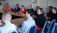 AMSTERDAM - Defensie en taakgericht trainen, Jan Maree<br /> , tijdens week 11 van de PGA (vereniging van golfprofessionals) bijeenkomst op Amstelborgh in Amsterdam. midden Inder van Weerelt. COPYRIGHT KOEN SUYK