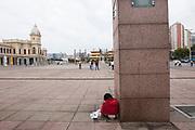 Belo Horizonte_MG, 25 de Setembro de 2010<br /> <br /> BDI<br /> <br /> Menino de rua na Praca da Estacao.<br /> <br /> Foto: MARCUS DESIMONI / NITRO