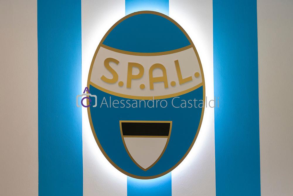 FERRARA - ITALY, 11-07-19 - Conferenza Stampa SPAL Presentazione Giocatore 2019—2020 Centro Sportivo G.B. Fabbri, FOTO DI CASTALDI, NELLA FOTO: stemma Spal