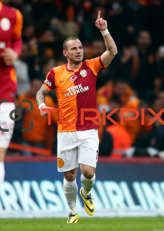 Galatasaray's Wesley Sneijder during their Turkish superleague soccer derby match Galatasaray between Fenerbahce at the AliSamiYen spor kompleksi TT Arena in Istanbul Turkey on Sunday, 06 April 2014. Photo by Aykut AKICI/TURKPIX