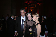 Jay Jopling, Heather Podesta and Sam Taylor Wood. Turner Prize 2005. Tate Britain.   5 December  2005. ONE TIME USE ONLY - DO NOT ARCHIVE  © Copyright Photograph by Dafydd Jones 66 Stockwell Park Rd. London SW9 0DA Tel 020 7733 0108 www.dafjones.com