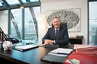 02 SEP 2014, BERLIN/GERMANY:<br /> Georg Fahrenschon, Praesident des Deutschen Sparkassen- und Giroverbands, DSGV, in seinem Buero, Berliner Sitz des DSGV<br /> IMAGE: 20140902-01-021