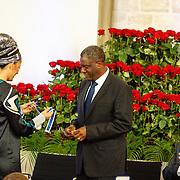 NLD//Middelburg20160421 - Four Freedoms Awards 2016, Linor Abargil reikt prijs uit aanDr. Denis Mukwege