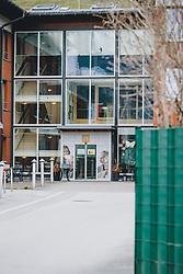 26.03.2020, Uttendorf, AUT, Coronaviruskrise, Österreich, im Bild Aussenansicht. Im Seniorenheim in Uttendorf ist eine Mitarbeiterin erkrankt. Alle Bewohner und Mitarbeiter werden nun auf SARS-CoV-2 getestet. Das Heim wurde unter Quarantäne gestellt // exterior View. In the retirement home in Uttendorf one of the employees is sick. All residents and employees are now being tested for SARS-CoV-2. The home has been quarantined during the Coronavirus pandemic, Uttendorf, Austria on 2020/03/26. EXPA Pictures © 2020, PhotoCredit: EXPA/ JFK