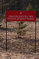 17.03.2012 wies Doktorce woj podlaskie N/z tablica informujaca o obszarze Natura 2000 i Dolinie Gornej Narwi fot Michal Kosc / AGENCJA WSCHOD