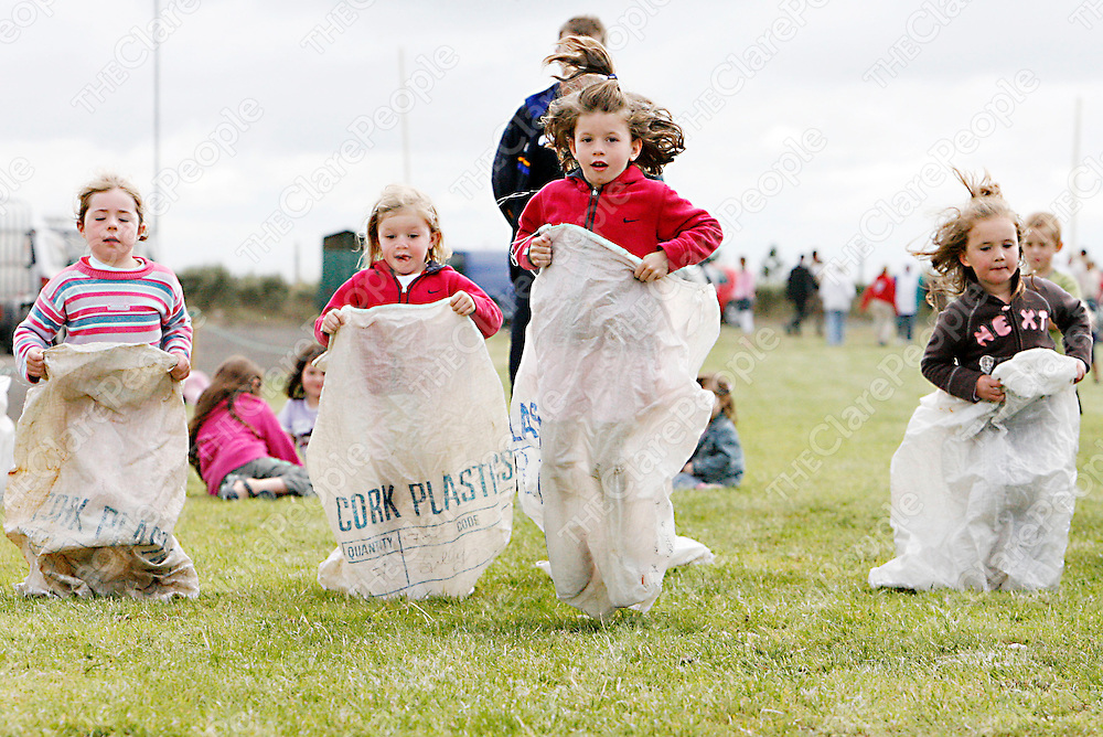 The U-6 girls sack race at the Mullagh show on Sunday.<br /><br /><br /><br />Photograph by Yvonne Vaughan.