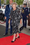 Prinses Beatrix  is aanwezig bij een concert van het European Union Youth Orchestra in Het Koninklijk Concertgebouw in Amsterdam.<br /> <br /> Princess Beatrix of the Netherlands is present at a concert of the European Union Youth Orchestra in the Royal Concertgebouw in Amsterdam.