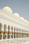 Courtyard of the Sheikh Zayed Mosque, the largest mosque in United Arab Emirates, constructed between 1996 and 2007, Abu Dhabi, United Arab Emirates