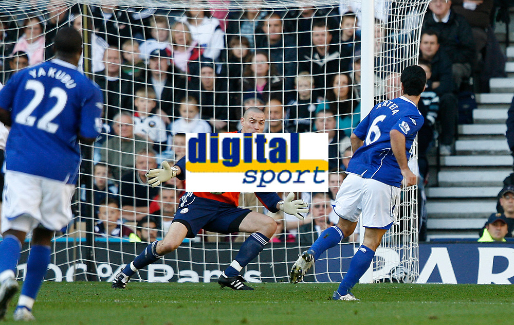 Photo: Steve Bond.<br /> Derby County v Everton. The FA Barclays Premiership. 28/10/2007. Mikel Arteta (6) shoots past Stephen Bywater to score for Everton