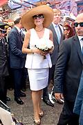 Staatsbezoek van Koning en Koningin aan de Republiek Italie - dag 2 - Palermo /// State visit of King and Queen to the Republic of Italy - Day 2 - Palermo<br /> <br /> Op de foto / On the photo: <br />  Koning Willem-Alexander en koningin Maxima maken een wandeling over de markt in Palermo<br /> <br /> King Willem-Alexander and Queen Maxima take a walk over the Palermo market