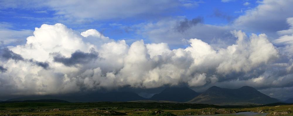 July 21, 2019 - Clouds Over 12 Bens In Connemara, N. Clifden, Co. Galway, Ireland, Europe (Credit Image: © Peter Zoeller/Design Pics via ZUMA Wire)