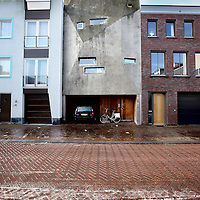 Nederland, Amsterdam , 15 februari 2013..Duurzame woning van Joris Brouwers in de James Bradleystraat, steigereiland van IJburg..Sustainable house, designed and built by the owner Joris Brouwers himself  on Steigereiland IJburg, Amsterdam.