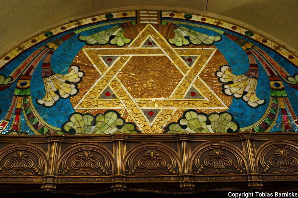 A Star of David at the Synagogue Rykestrasse Berlin, above the Aron haKodesh/Tora ark.