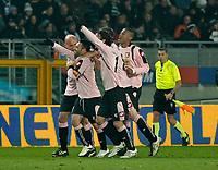 Fotball<br /> Italia<br /> Foto: Inside/Digitalsport<br /> NORWAY ONLY<br /> <br /> Palermo players celebrate Fabrizio Miccoli 1-0 leading goal. <br /> <br /> 28.02.2010<br /> Juventus v Palermo<br /> Posticipo del Campionato di Serie A