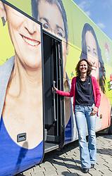 18.05.2017, Wien, AUT, Grüne, Klubobfrau Eva Glawischnig gab bei einer Pressekonfernz am 18.05.2016 um 10:00 Uhr ihren Rücktritt bekannt. im Bild Archivbild Gruene Klubobfrau Eva Glawischnig am 05.05.2014 beim Auftakt zur EU-Wahlkampftour mit Grünen Tourbus // FILEPHOTO of Leader of the parliamentary group the greens Eva Glawischnig<br />  during election campaign tour of the greens for EU election in front of the Austrian Parliament in Vienna, Austria on 2014/05/05. Leader of the parliamentary group Eva Glawischnig (greens) resigned on 2017/05/18 from all political duties. EXPA Pictures © 2017, PhotoCredit: EXPA/ Michael Gruber