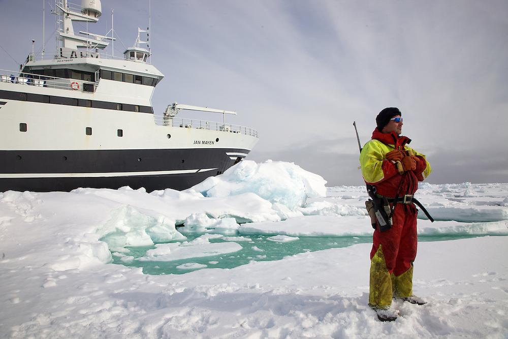 Áritco. Islas Svalbards.Buque oceanográfico Jan Mayen..© JOAN COSTA