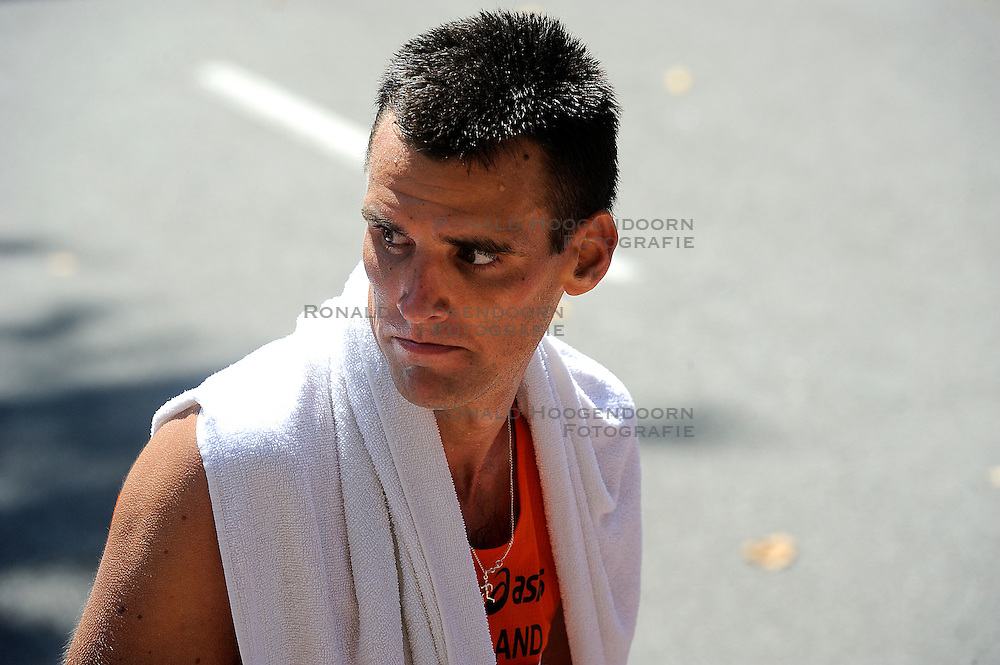 01-08-2010 ATLETIEK: EUROPEAN ATHLETICS CHAMPIONSHIPS: BARCELONA <br /> Koen Raymaekers is 17th in the marathon and is a little bit dissatisfied<br /> ©2010-WWW.FOTOHOOGENDOORN.NL