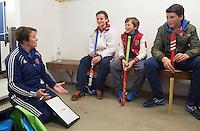 ABCOUDE - VOLVO JUNIOR CUP hockey . Abcoude C1 , met Alyson Annan als coach, en Heerhugowaard   strijden in Abcoude om de cup. Heerhugowaard wint met 3-1. De teams werden gesteund door spelers van Jong Oranje. COPYRIGHT KOEN SUYK