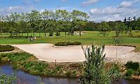 ESBEEK - Een enorme bunker op hole 16. Midden-Brabant Golfbaan. COPYRIGHT KOEN SUYK