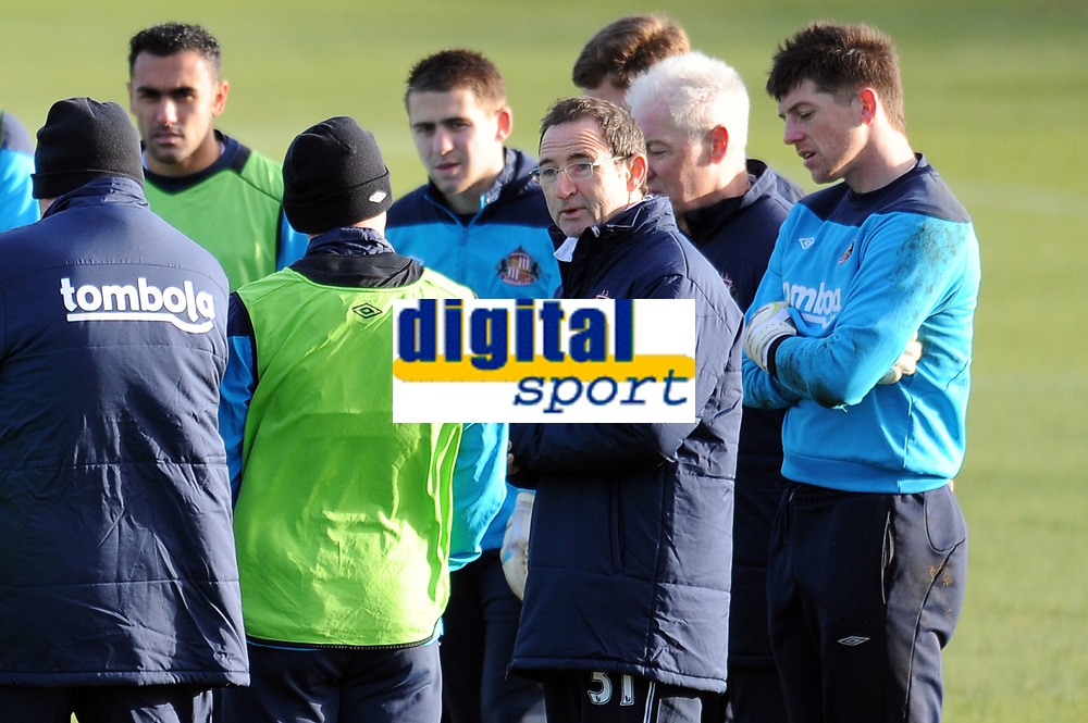 Football - Premier League - Sunderland Training<br /> Martin O'Neill (Sunderland manager) chats to players at the Academy of Light.